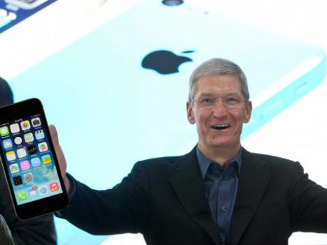 tim-cook-rieseniphone-photoshop