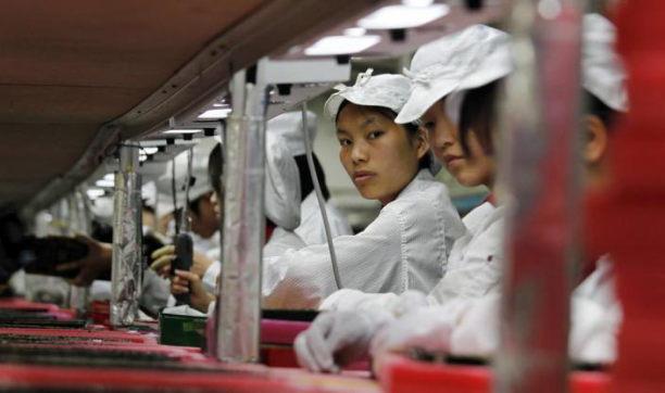 foxconn-fabrik-arbeiter