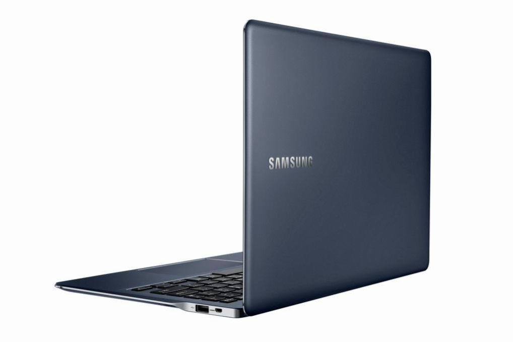 Samsung_ATIV_Book_9_back_open.0