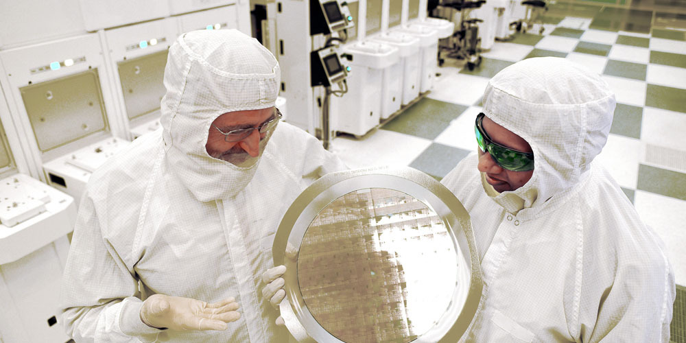 ibm-7nm-chip-wafer