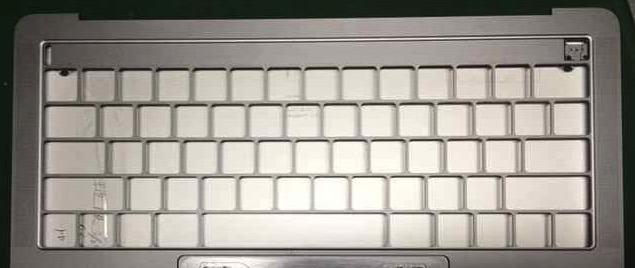 17858-15735-macbookpro-top-l