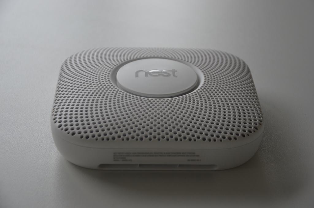 test nest cam indoor outdoor sowie rauch und kohlenmonoxidmelder macerkopf. Black Bedroom Furniture Sets. Home Design Ideas