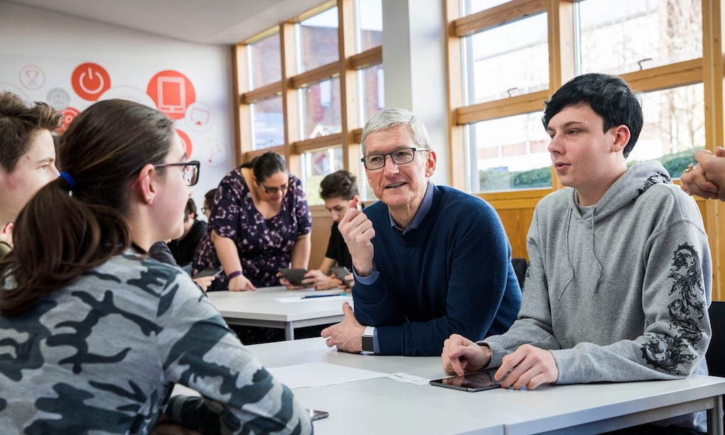 https://www.macerkopf.de/wp-content/uploads/2018/01/tim-cook-everyone-can-code.jpg