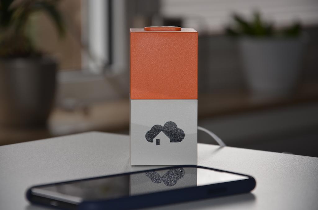 homee ein schlauer zauberw rfel verbindet alle smart home. Black Bedroom Furniture Sets. Home Design Ideas