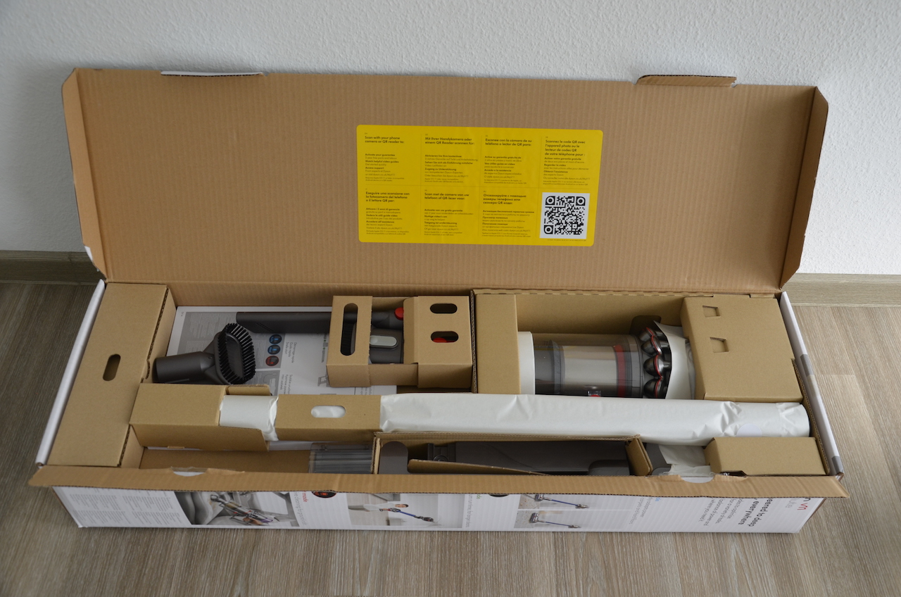 dyson v11 absolute smarter akku staubsauger im test macerkopf. Black Bedroom Furniture Sets. Home Design Ideas